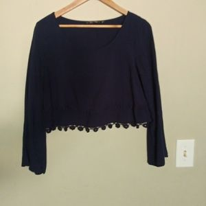 🌼2/$10 Navy blue long sleeve crop top
